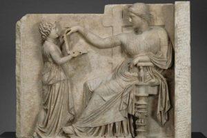 bas relief dame romaine et son esclave